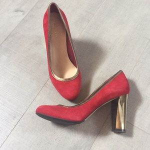 Red ColeHann shoes.